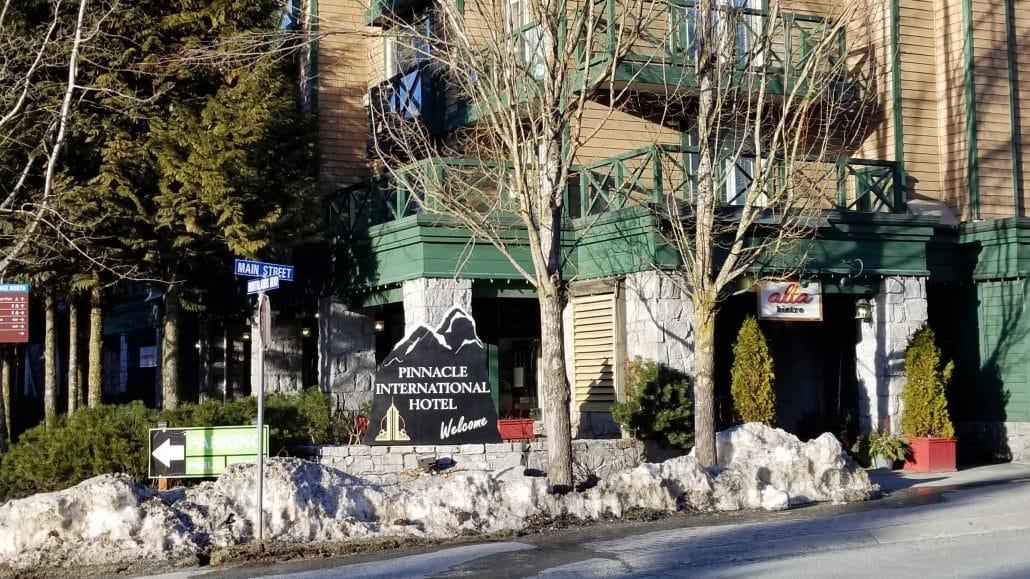 Pinnacle Hotel Whistler (1)