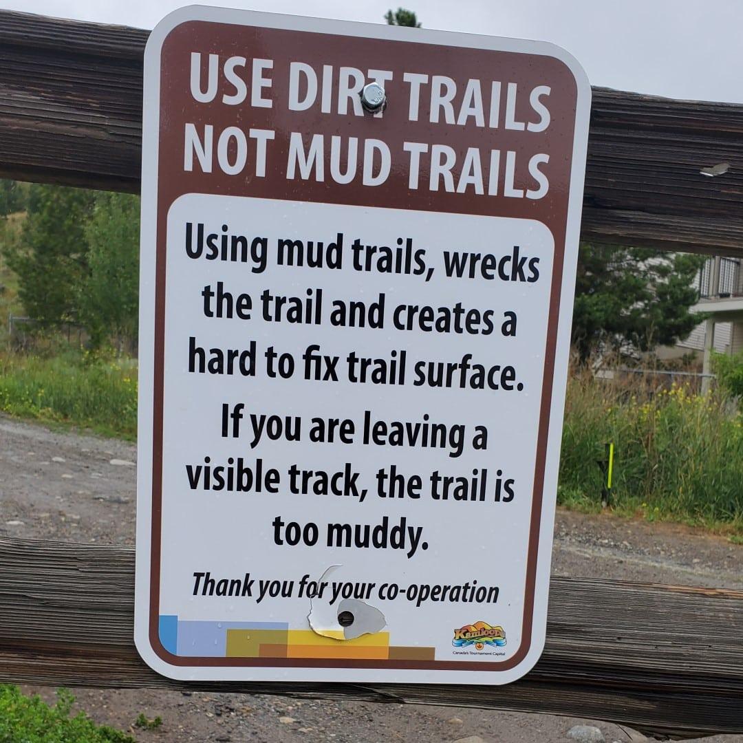 Kenna Cartwright Nature Park Off-Leash Dog Park - Hillside Drive Trailhead - Kamloops -BC (4)