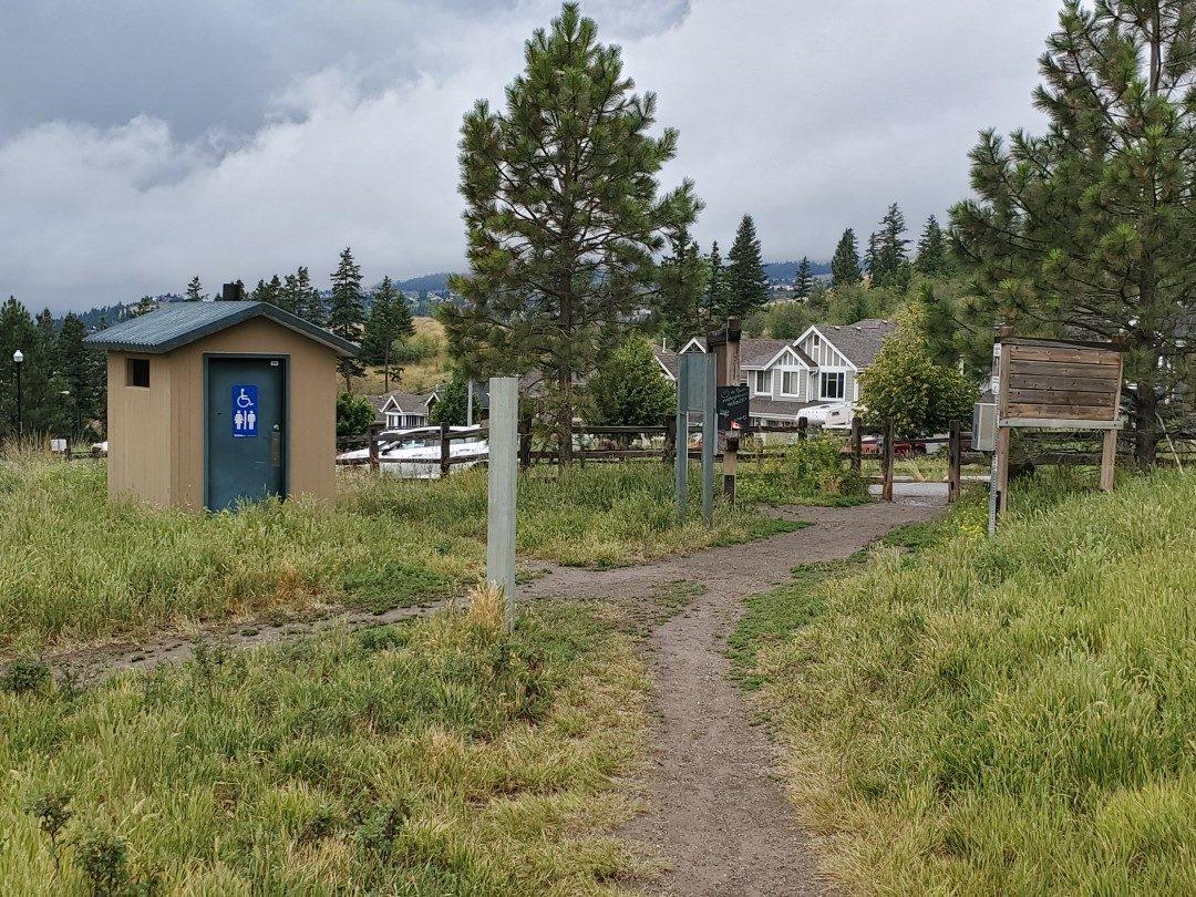 Kenna Cartwright Nature Park Off-Leash Dog Park - Pacific Way Trailhead - Kamloops - BC (5)