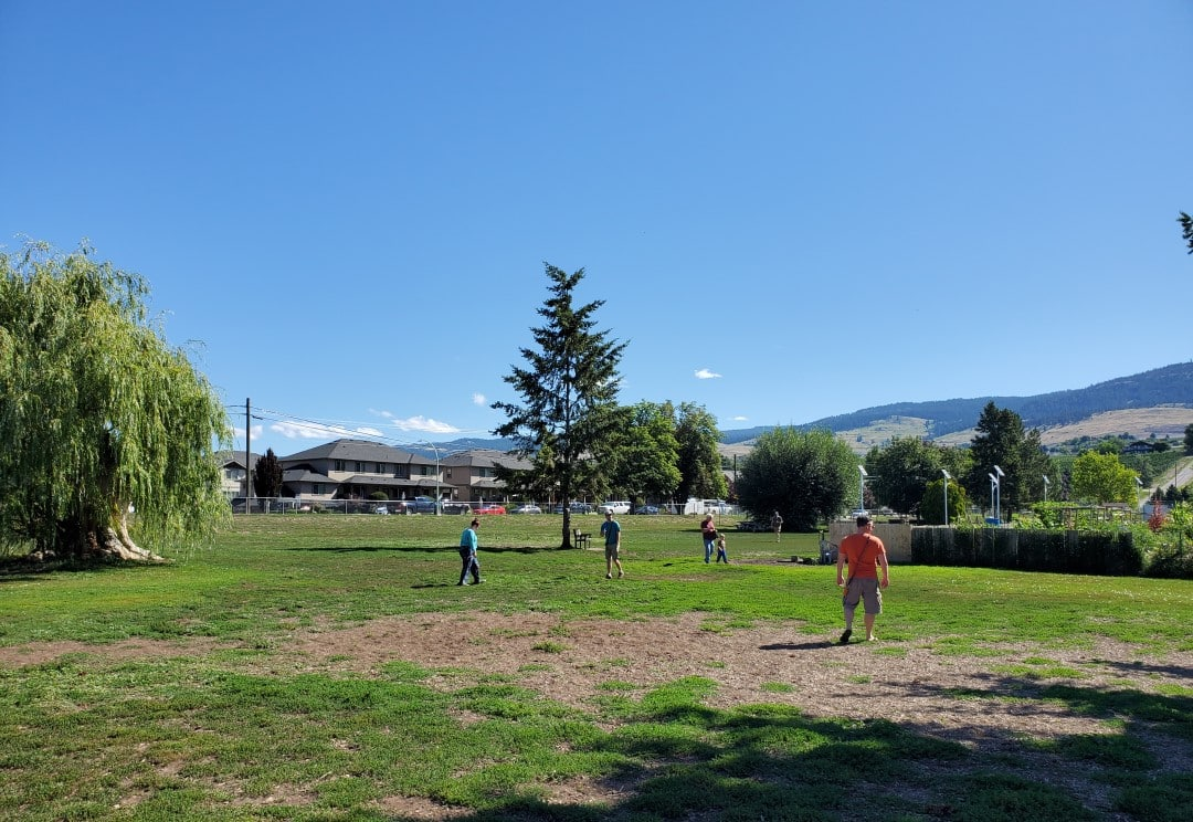 Rutland Off-Leash Dog Park – Kelowna BC (2)