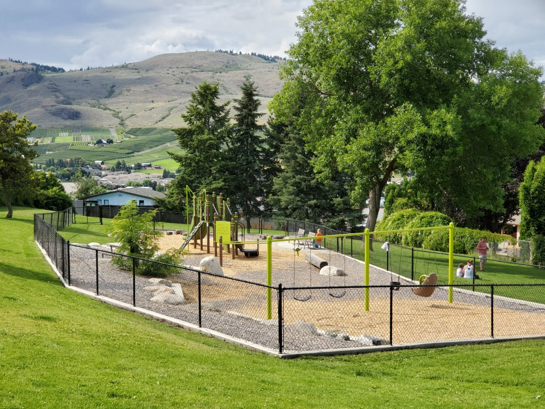 Mission Hill Off-Leash Dog Park – Vernon – BC (8)