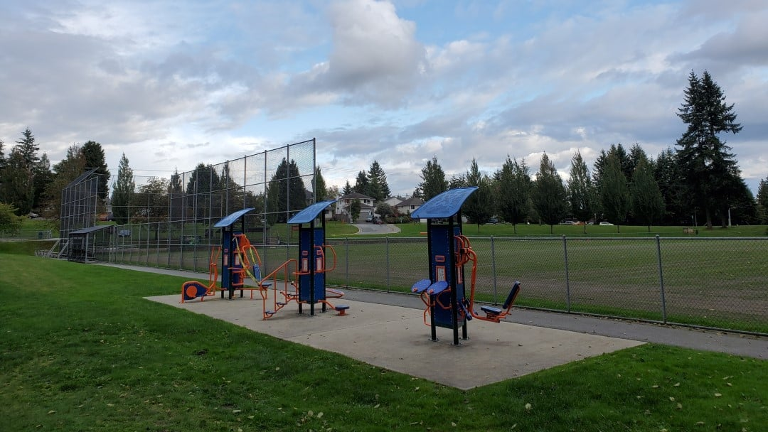 Westhill Off-Leash Dog Park (Hike) – Port Moody – BC (10)