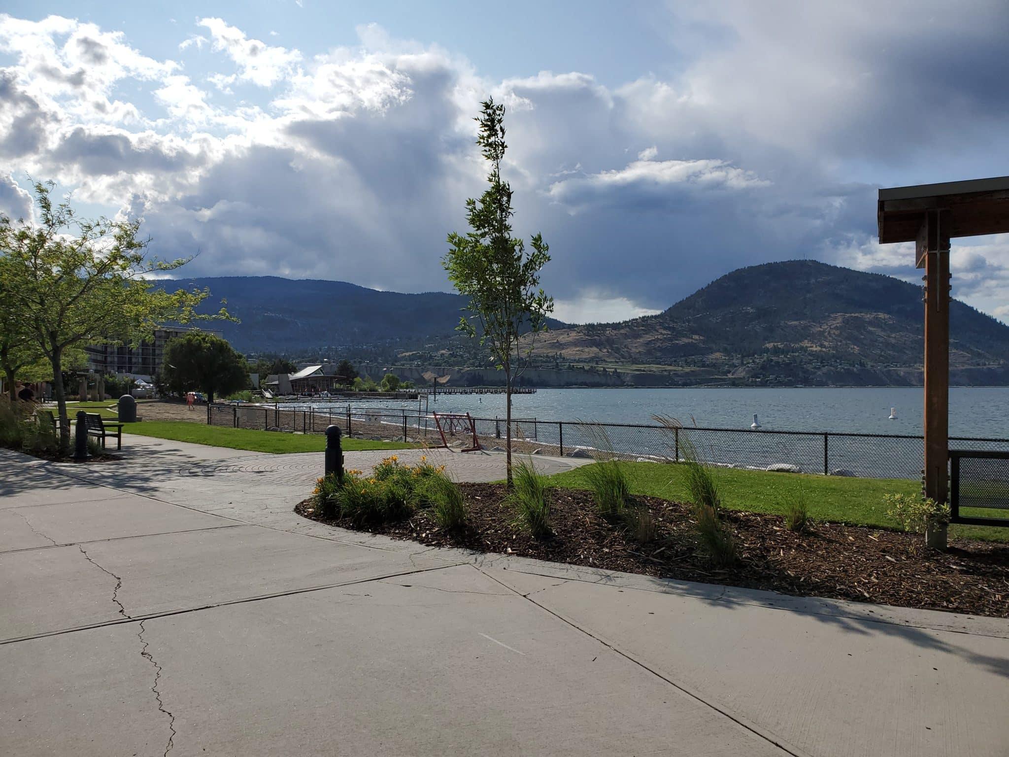 Okanagan Lake Off-Leash Dog Park – Penticton – BC (1)